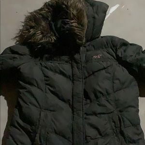 Hollister puffer coat with fur on inside